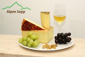 Käseplatte mit Alpenkäse vom Alpen Sepp