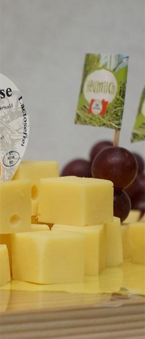 Kreativer Turmbau auf Käseplatten