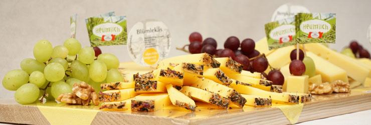 Unser Vorschlag für die Dekoration einer Käseplatte für Genießer